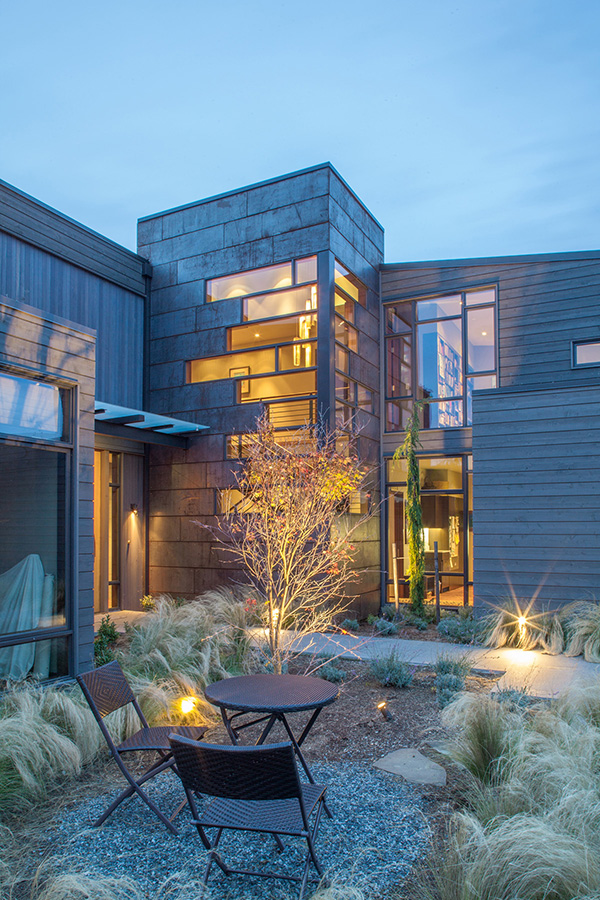 Hanna Park residence - at the crossroads of land + water